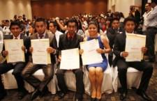 Se gradúan nuevos Licenciados en Medicina Veterinaria de la UABJO