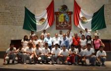 Jóvenes de Pinotepa Nacional visitan recinto legislativo