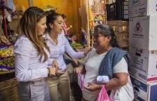 """""""Gaby sí nos va ayudar"""", señalan locatarios de mercados ejutecos"""