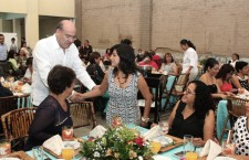 Reconoce municipio de Oaxaca a madres trabajadoras sindicalizadas por su día