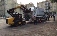 Más de 108 toneladas de basura recolecta Municipio capitalino tras retiro de 400 puestos de Zócalo y Alameda