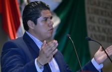 Exhorta Manuel García Díaz a solucionar desabasto de medicinas