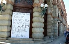Reclaman trabajadores del teatro Macedonio Alcalá pago de salarios