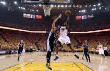 Warriors 98, Grizzlies 78; Curry no mostró piedad