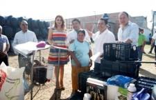 Entregan en Santa Lucía apoyos de agricultura familiar, periurbana y de traspatio