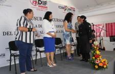 Concluyen cursos 174 estudiantes de la Escuela de Artes y Oficios municipal