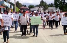 Marchan ciudadanos para exigir paz y gobernabilidad en la entidad