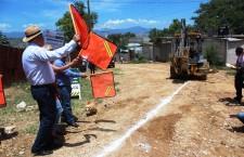 En Santa Rosa, inicia Javier Villacaña obras de infraestructura sanitaria y educativa