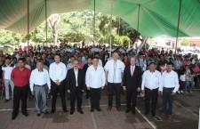 Participa Municipio de Oaxaca en entrega de boletas y certificados a alumnos del CONAFE