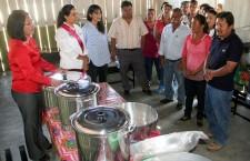 DIF Estatal supervisa cocinas comunitarias en Santiago Tenango, Etla