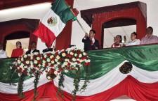 Encabeza Raúl Cruz acto cívico en Santa Lucia del Camino