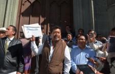 Seguidores de Martínez Alavés tomaron edificio central de Derecho, bajo el amparo del rector