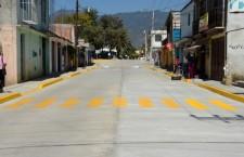 Inaugura Raúl Cruz pavimentación con concreto hidráulico en calle Calicanto