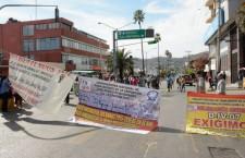 Bloquean jubilados y pensionados avenida Héroes de Chapultepec