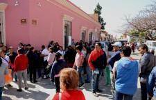 En pelea por los recursos del Comité, padres de familia de la EST 1, bloquean calles