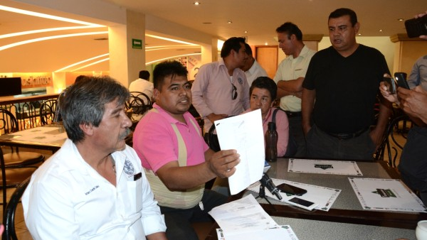 Denuncian transportistas presunto fraude en Sevitra durante administración de Gabino Cué