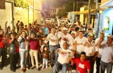 Seguirá apoyando Raúl Cruz a grupos vulnerables, así lo dijo en la Carrillo Puerto.