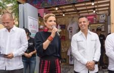 "Inaugura Alejandro Murat e Ivette Morán ""Mercado Guelaguetza"""