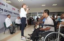 DIF Estatal Oaxaca entrega prótesis, ortesis  y sillas de ruedas en el CREE