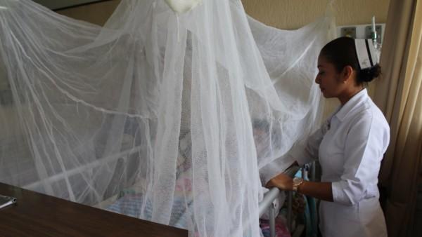 """Atiende Hospital General """"María Lombardo de Caso""""  posibles casos de dengue"""