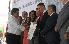 Entrega AMH reconocimientos y medallas a trabajadores del Gobierno de Oaxaca