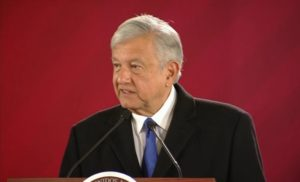 Anuncia López Obrador venta de autos en Febrero