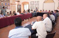 Celebran primera reunión de trabajo, directores del Ayuntamiento y autoridades auxiliares