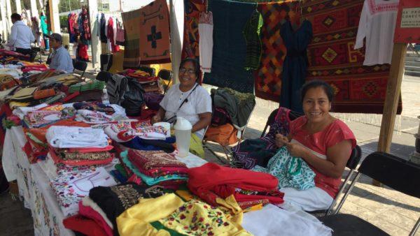 Participan artesanas y artesanos oaxaqueños en el 56 aniversario de Ciudad Nezahualcóyotl