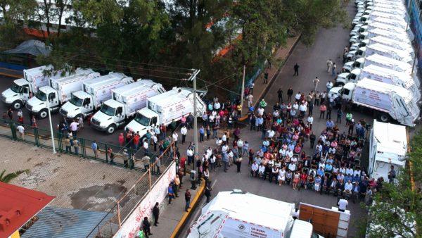 Presenta Oswaldo García 40 nuevos camiones recolectores de basura para la capital