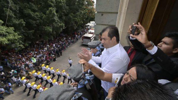 Policía Municipal de Oaxaca de Juárez participa con orgullo en desfile cívico-militar