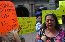 Funcionarios del INSUS protegen a invasores de predios: denuncian habitantes de la colonia