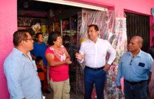 Socializa Oswaldo García proyecto de renovación de alumbrado público en Cinco Señores
