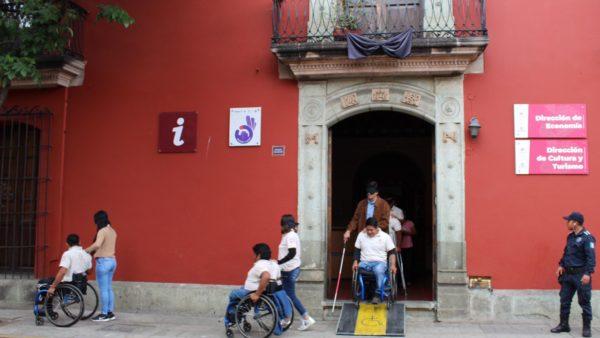 Alienta Ayuntamiento de Oaxaca atención incluyente a turistas con discapacidad