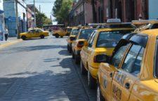 Bloquean taxistas del sitio Alameda calles del Centro Histórico, pedían ser atendidos por el presidente municipal