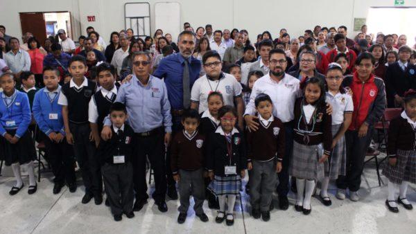 Garantiza DIF Municipal derechos a la salud y educación de la niñez con entrega de lentes