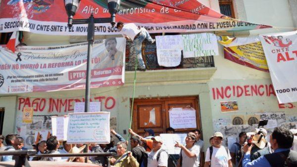 Exigen habitantes de Tepanzacoalco maestros para escuela Telesecundaria