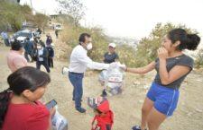 Lleva Oswaldo García Jarquín apoyo alimentario a colonias de Pueblo Nuevo