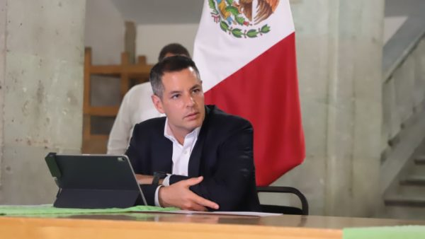 Alejandro Murat anuncia medidas de seguridad obligatorias para reducir la propagación del COVID-19
