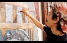 """""""Entre la pintura y la gráfica"""", video que muestra los procesos técnicos que convergen en el desarrollo de dos obras distintas"""