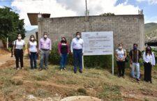 Garantiza Oswaldo García servicios básicos; entrega red de drenaje en Pueblo Nuevo