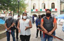Agentes municipales exigen a edil de Santiago Juxtlahuaca, entrega de recursos