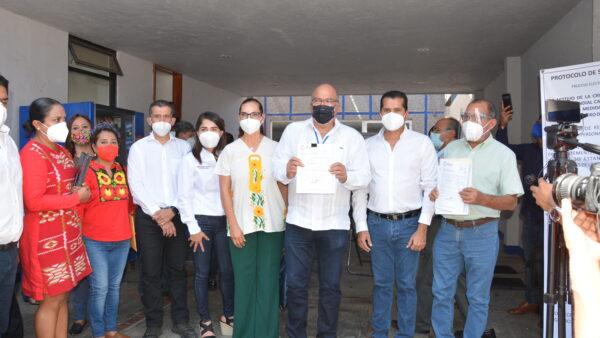 Se registra Javier Villacaña ante el PAN como aspirante a la candidatura por Oaxaca de Juárez