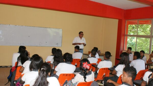 Personal docente, clave en la prevención del VIH y otras ITS: Coesida