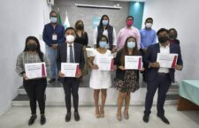 Premian Ayuntamiento de Oaxaca, IAIPO e INE a ganadores de concursos de oratoria y debate