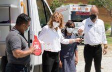 El Gobierno del Estado de Oaxaca a través del DIF continúa con la entrega de ambulancias de traslado, completamente nuevas y equipadas en beneficio de los municipios de las 8 regiones